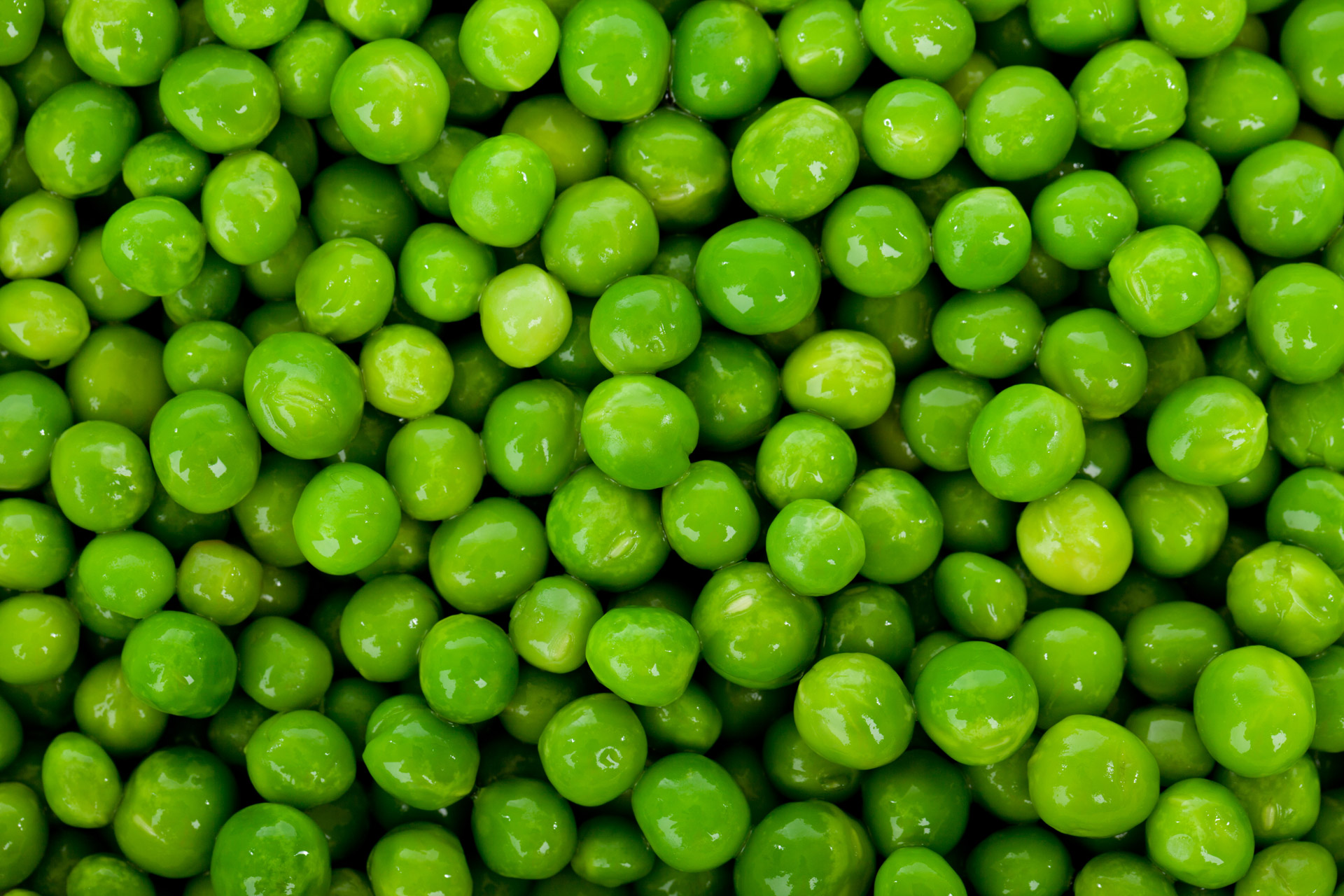 green-peas-background